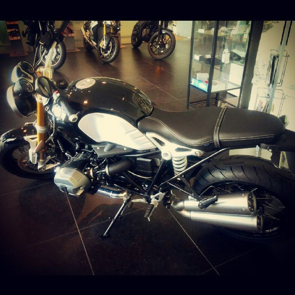 Waiting R9t Rninet Ninet