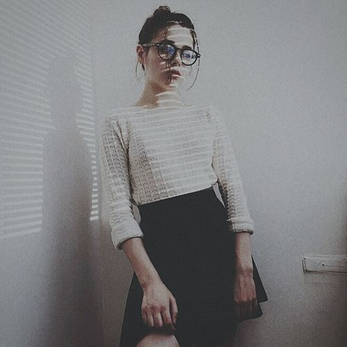 пустота одиночествовнутрисебя Young Adult Young Women Sunglasses Standing Casual Clothing Fashion Lifestyles Person Leisure Activity Hands In Pockets Wall - Building Feature Fashionable Front View Full Length Confidence  Well-dressed Contemplation Attitude First Eyeem Photo