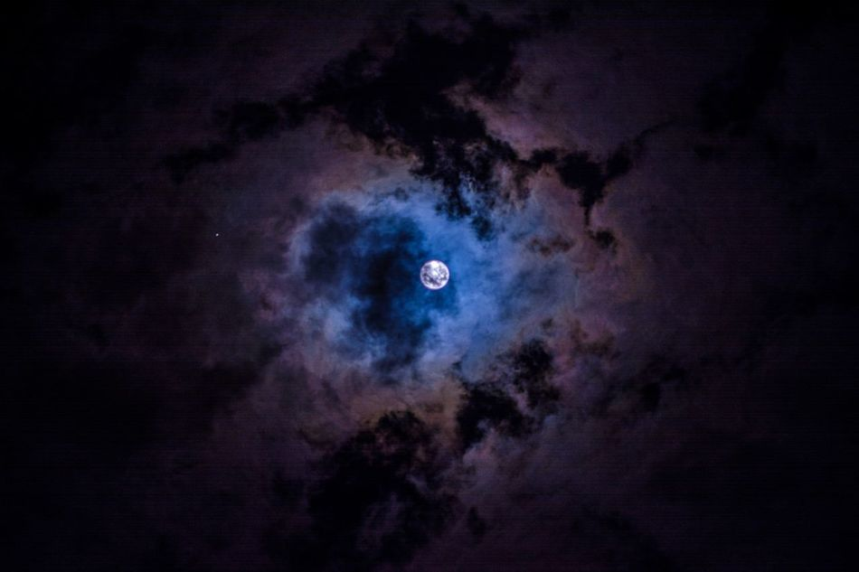 My moon Sequence 05 Clouds And Sky Exceptional Photographs Eye4photography  EyeEm Best Shots Feeling Inspired Luna Luna Llena Moon Moon Shots Moonshots  Night Night Photography Night Sessions No People Outdoors Popular Photos Sky