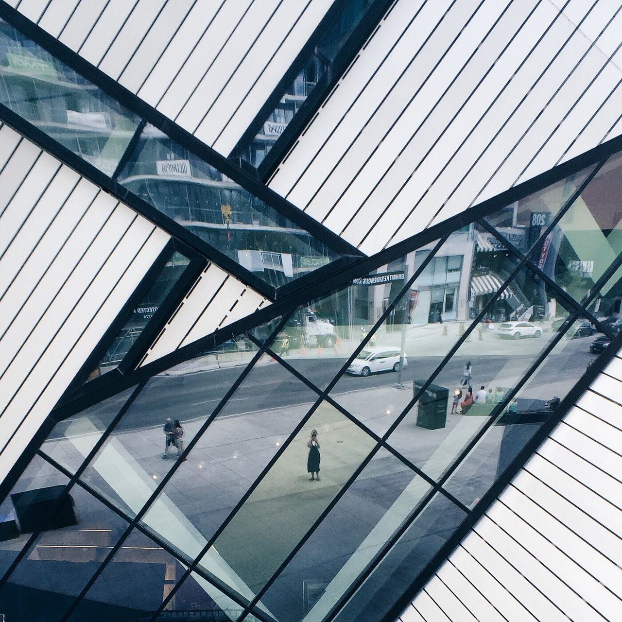 Royal Ontario Museum From My Point Of View Toronto Libeskind Architecture Mirrorselfie