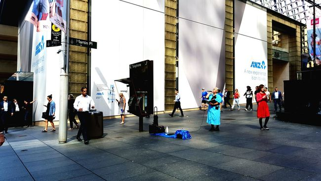 Street Entertainment Streetphotography People Watching Lunchtime! Showcase April The Street Photographer - 2016 EyeEm Awards