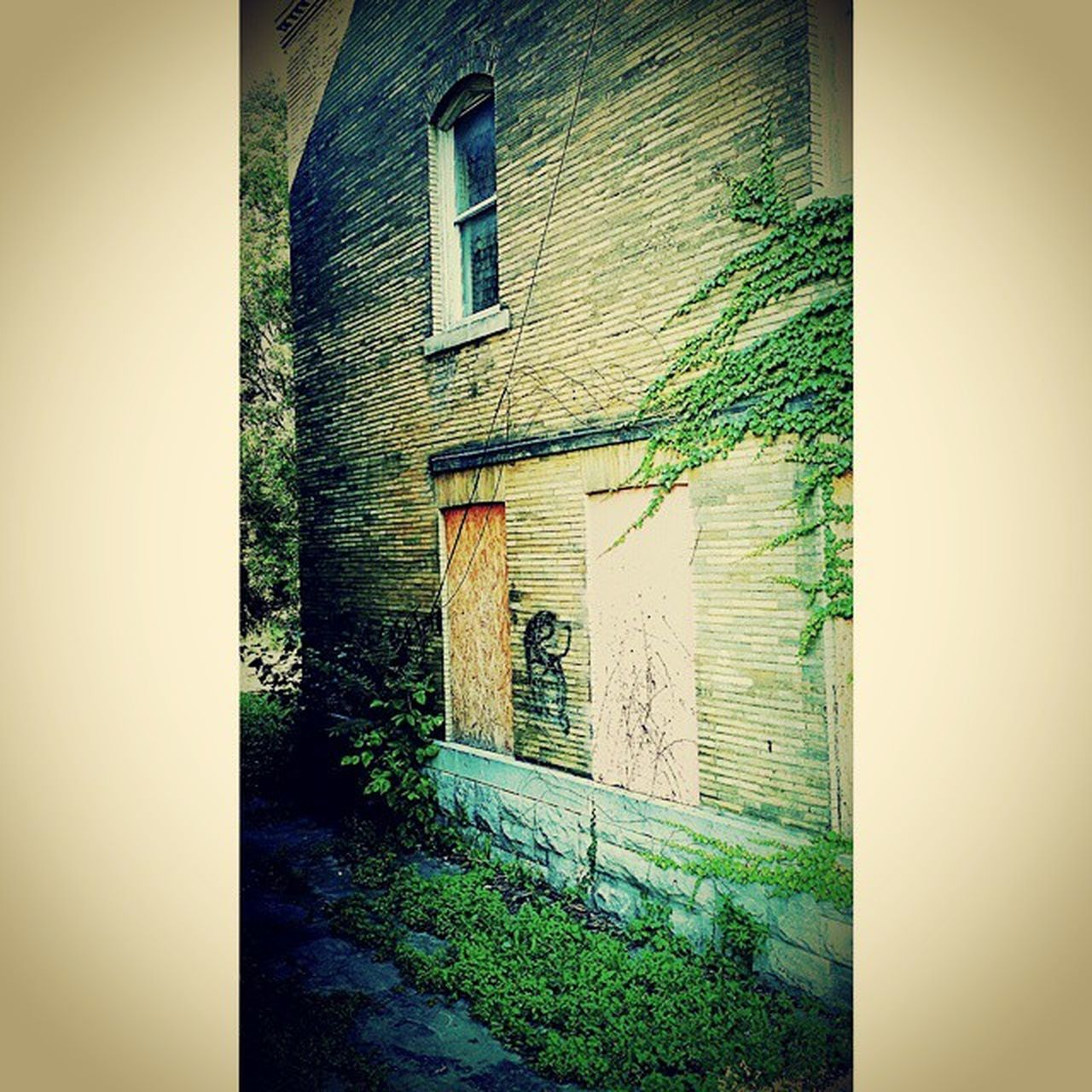 Oldstompinggrounds TheHood Feeling Thankful GratefulToBeAlive Recoveryispossible Evil Lurks Bad Places Abandoned Buildings