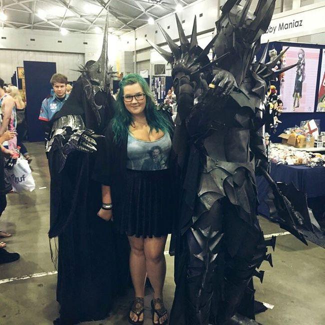 Best cosplay ever. ❤❤❤ Bmlotrofftobattleswim Bmsupanova LOTR Witchking Sauron cosplay brisbanesupanova doublebm