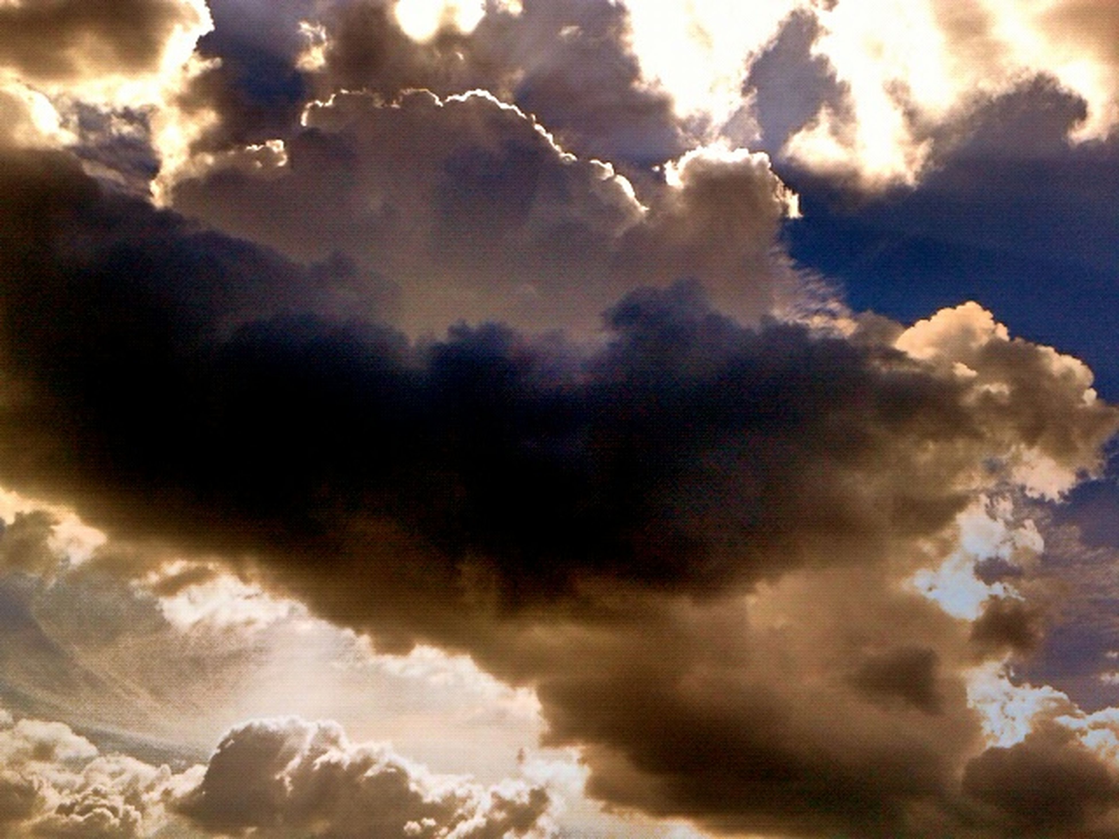 cloud - sky, sky, cloudy, low angle view, cloudscape, sky only, beauty in nature, scenics, tranquility, weather, tranquil scene, nature, cloud, dramatic sky, overcast, idyllic, backgrounds, sunset, majestic, full frame