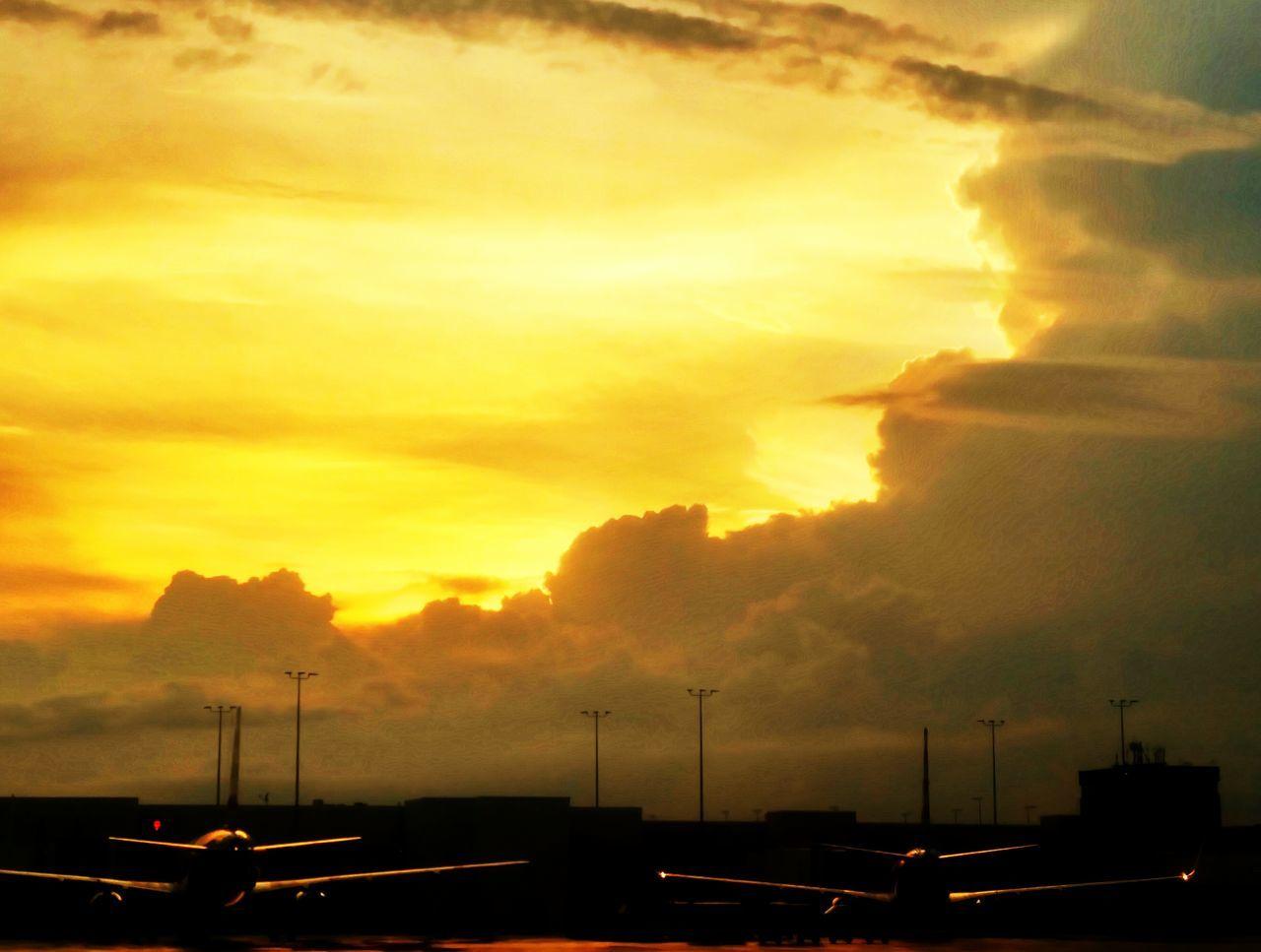 43 Golden Moments Sunset Transportation Clouds Planes