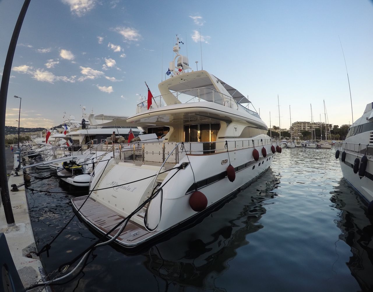 Hello World Taking Photos Yacht Cannes Luxury Port Canto France 🇫🇷 Sea Sun Fun