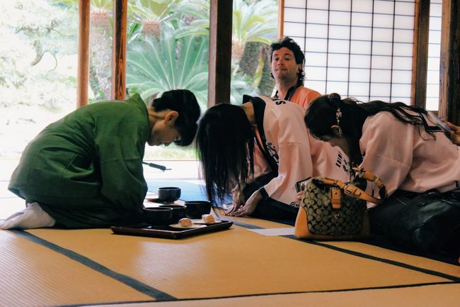 Traditional Culture Power Woman Women Culture Culture Of Japan Traditional Bow Tea Tea Ceremony Reality
