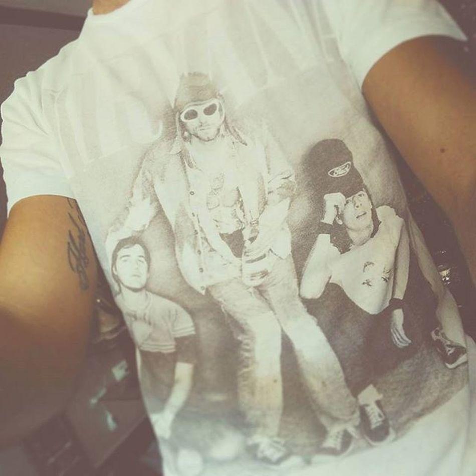🎸🎼Pleasures of life... 🎶👌 Nirvana Grunge Rocknroll Music Goodmusic Tshirt Rock Bodyselfie Kurtcobain Stateofnirvana Alternativeworld