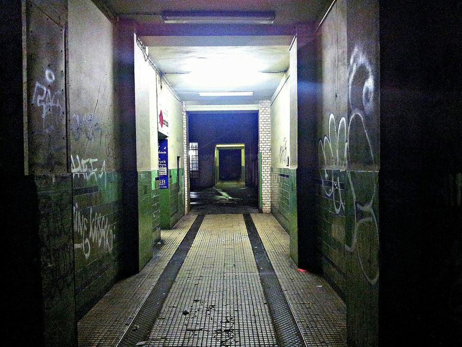Eingang Berlin Hauseingang Entranceway Old Buildings Night No People Nightphotography Dark