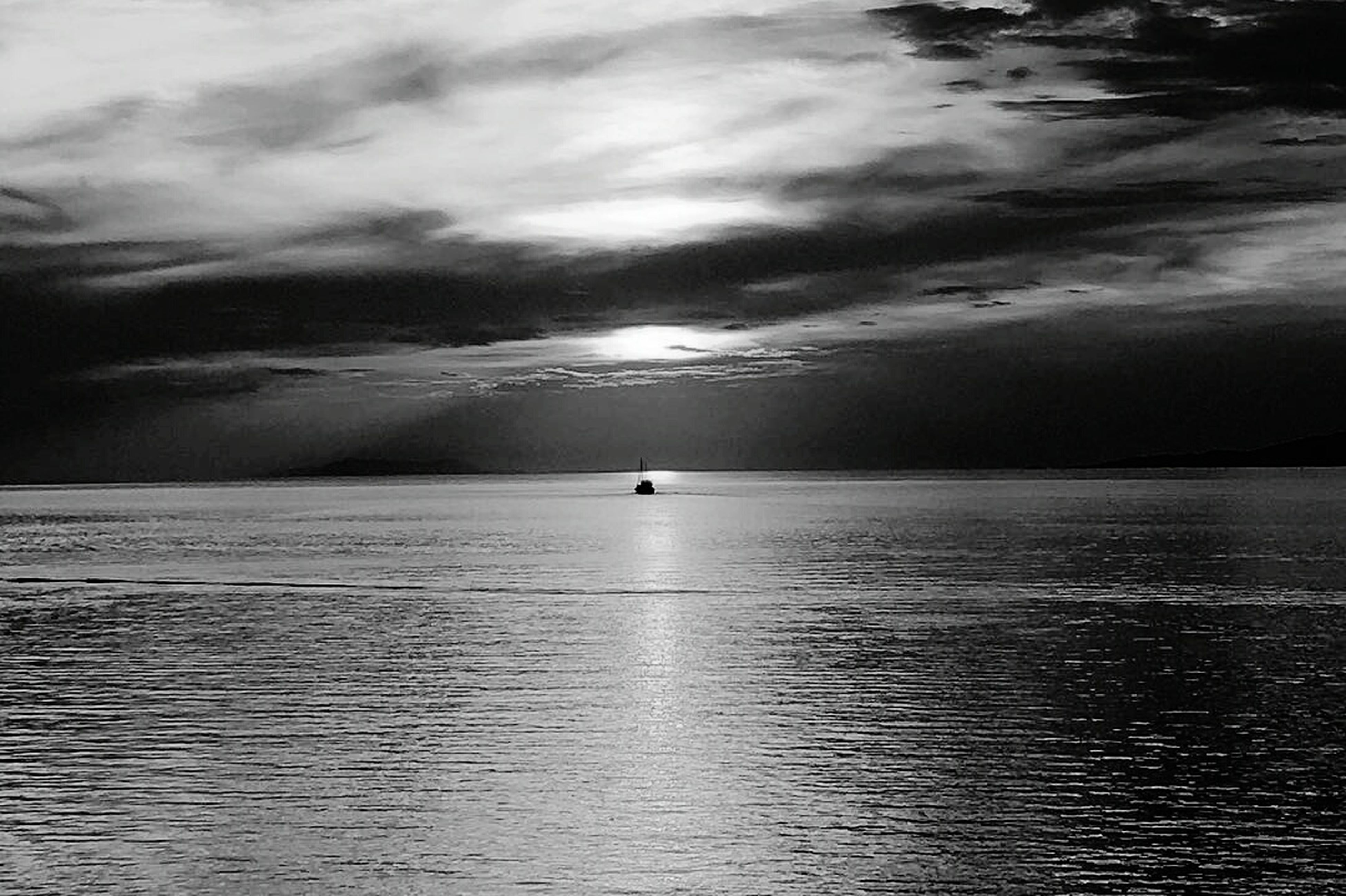 sea, beauty in nature, water, scenics, nature, cloud - sky, tranquility, tranquil scene, sky, awe, horizon over water, outdoors, no people, day