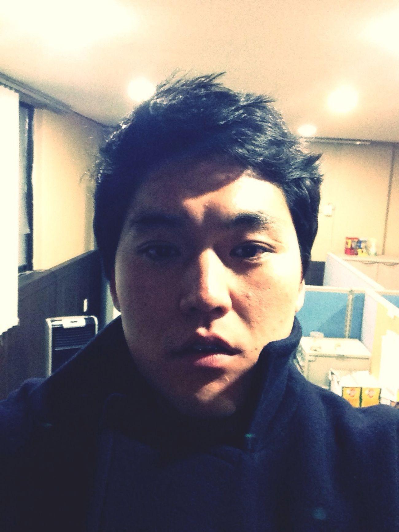 That's Me Hello World New Haircut Self Portrait 언제까지 추울라나