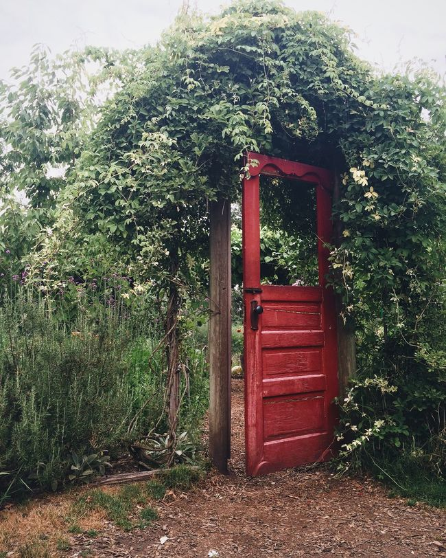 The Red Door Red Door Mcmenamins Edgefield Garden Dreamy