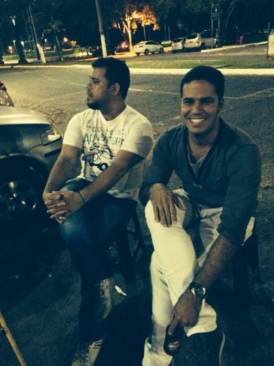 Passeando e bebendo pela cidade Cerveja Amigos Taking Photos Enjoying Life