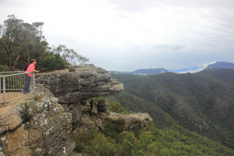 The lookout at a hanging rock face called the Balconies in mountain range of Grampians National Park. Australia Australian Landscape Be. Ready. Grampian National Park The Balconies The Balconies, Grampians National Pa The Grampians Travel Victoria Australia Australia & Travel Landscape Mountain Nature Tranquil Scene Travel Destinations