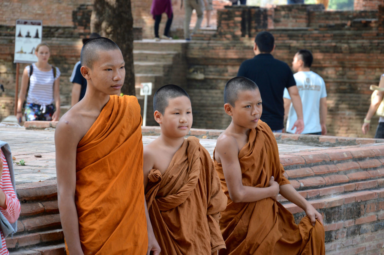 ASIA Bonding Boys Buddhist Buddhist Monks Casual Clothing Family Family With One Child Friendship Leisure Activity Lifestyles Love Men Mother Person Sitting Spotted In Thailand Togetherness Travel Young Young Men The Street Photographer - 2016 EyeEm Awards