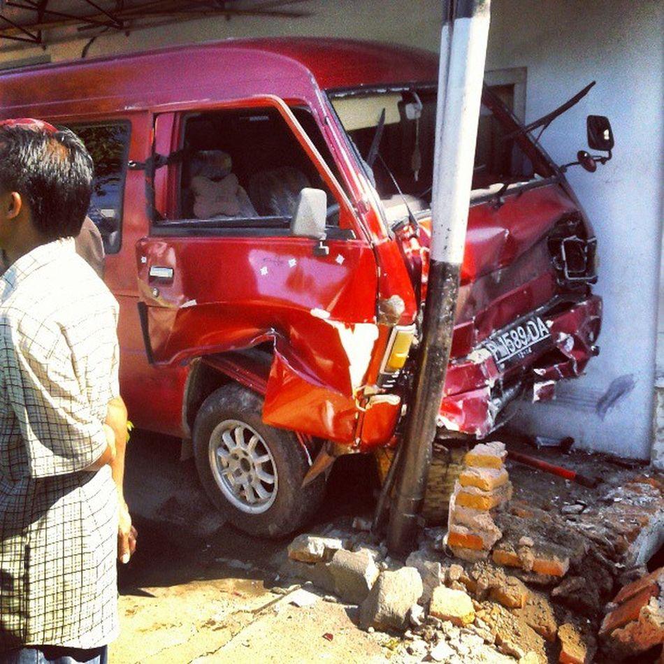 Tabrakan beruntung Crash Pixinyal Photography Situbondo indonesia funny lucu