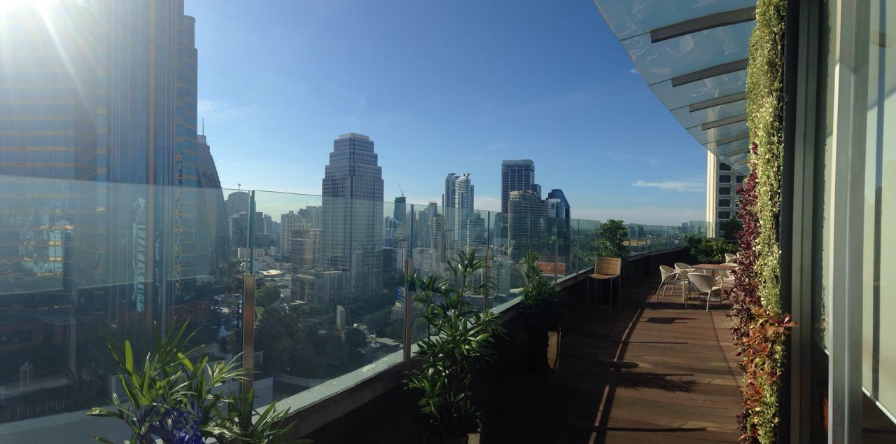 Long Balcony The Westin Hotel 25 Floor Morning Sun Walk Way Sunlight Clear Sky Happy Saturday Wedding Day 9:09 Sukhumvit