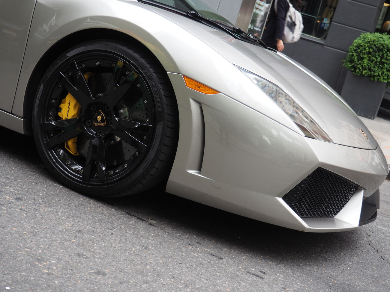 Carro De Lujo Close-up Coche Cropped Day Fast Ferrari Journey Land Vehicle Lujo Luxurious Luxury Luxurylifestyle  Mode Of Transport No People Parked Parking Part Of Stationary Transportation Vehicle Part Vintage Car Wheel