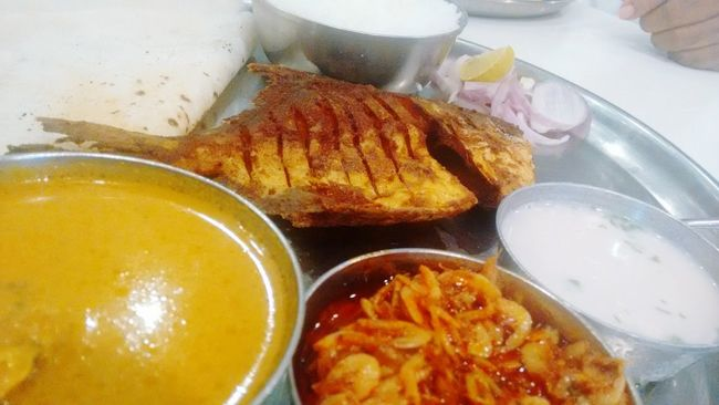 43 Golden Moments Shades Of Gold Golden Hues Golden Fried Fish Fish Curry And Rice Yummilicious