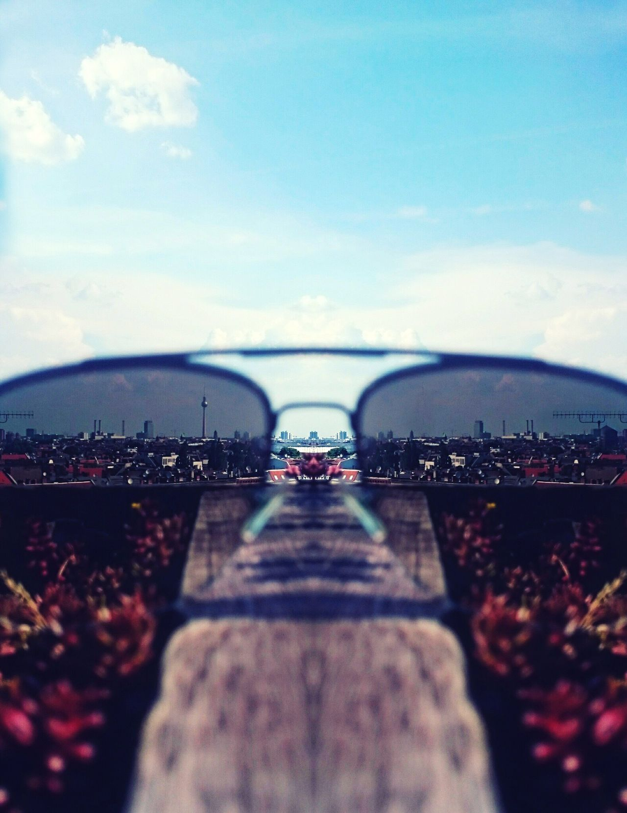 Through Sunglass - Urban Geometry Urban Exploration Panorama Cityscape Lifestyles Summertime Chillaxing Vintage Blur Close-up View From Above Capture The Moment Moments Of Life EyeEm Best Shots EyeEm Masterclass The Week On Eyem Perspectives And Dimensions Throughmyeyes The Secret Spaces The Great Outdoors - 2017 EyeEm Awards Neighborhood Map
