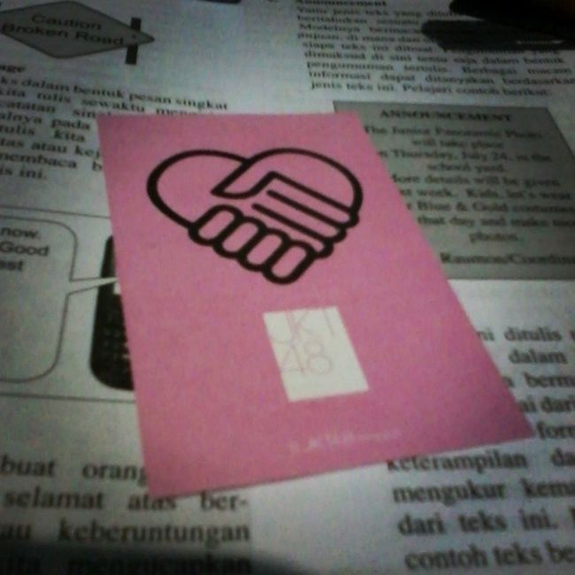 Ada yg tau kartu hs ini bisa laku sampe berapa? Yang tau komen dong :) SeputarJKT48 Wotapeduli