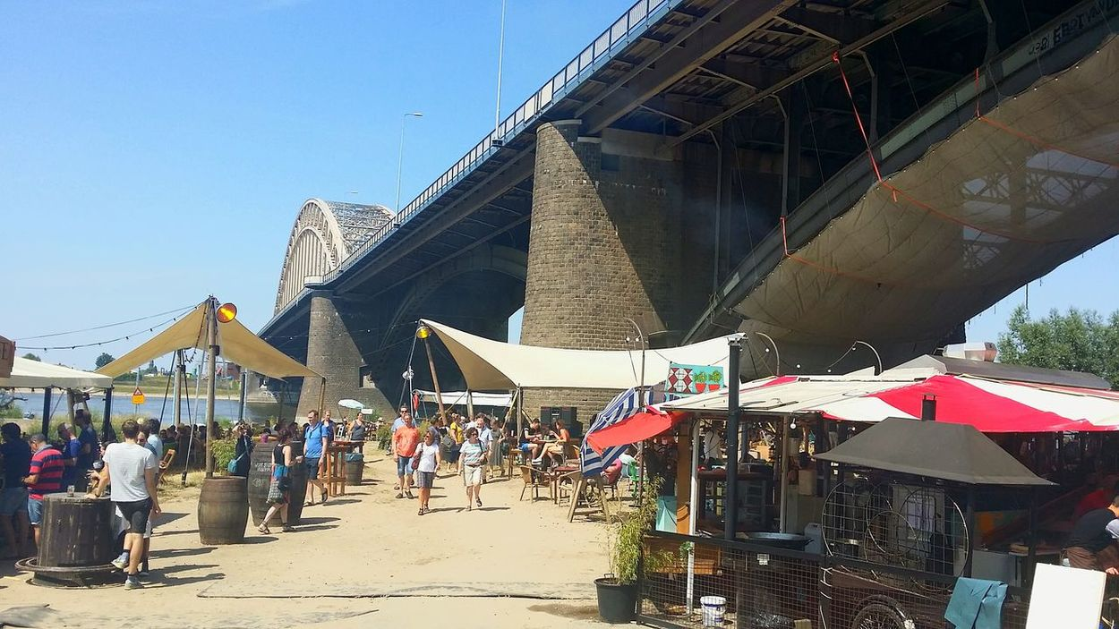 Underthebridge Relaxing Nijmegenopdekaart 024 Gemeentenijmegen