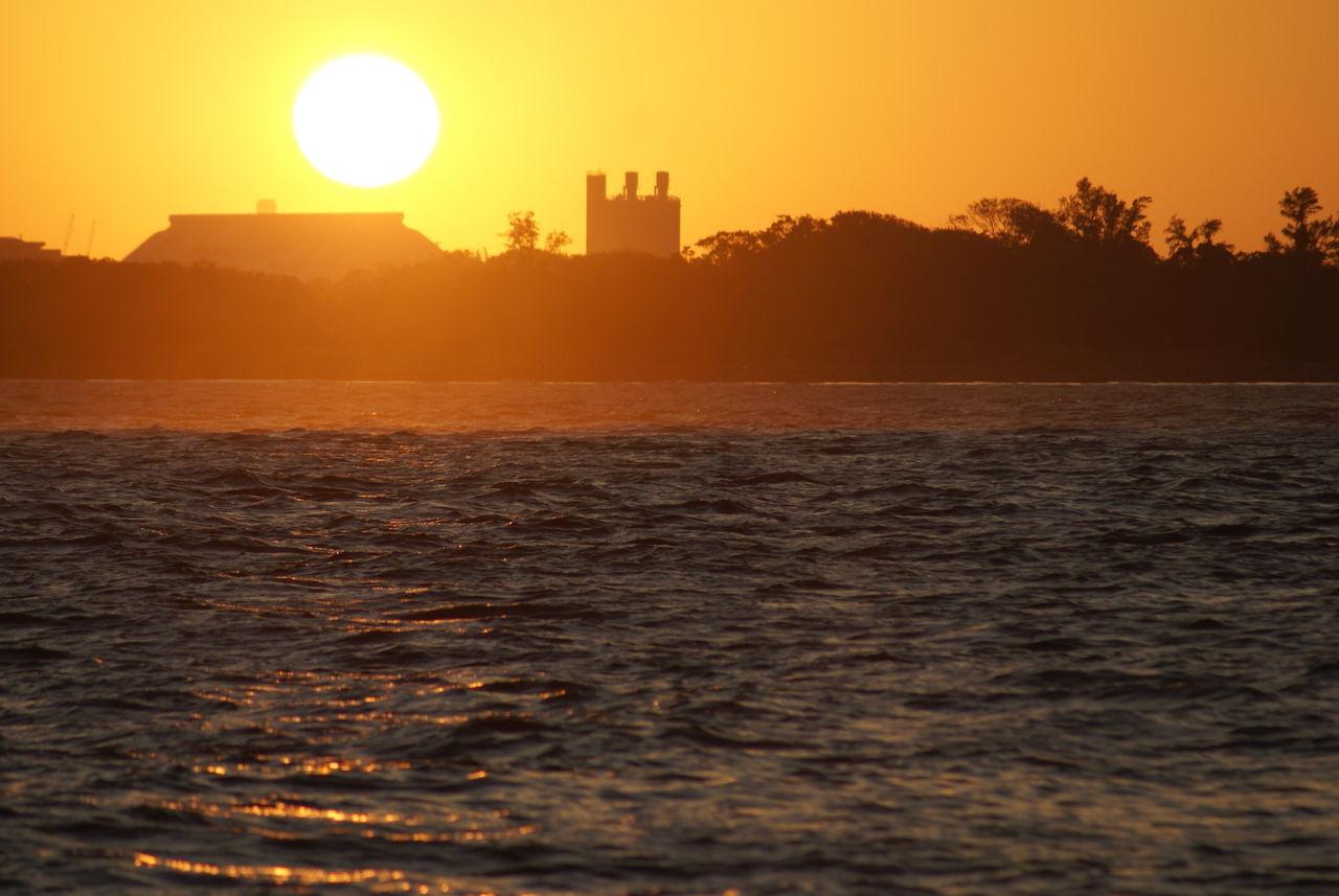 Autumn Sky Beautiful Nature Beautiful Sunset Golden Hour Golden Slumbers Horizon Over Water Motion Ocean Outdoors Rippled Scenics Sea Seascape Shore Splashing Sun Sunlight Sunset Sunset Silhouettes Water Waterfront Wave 43 Golden Moments