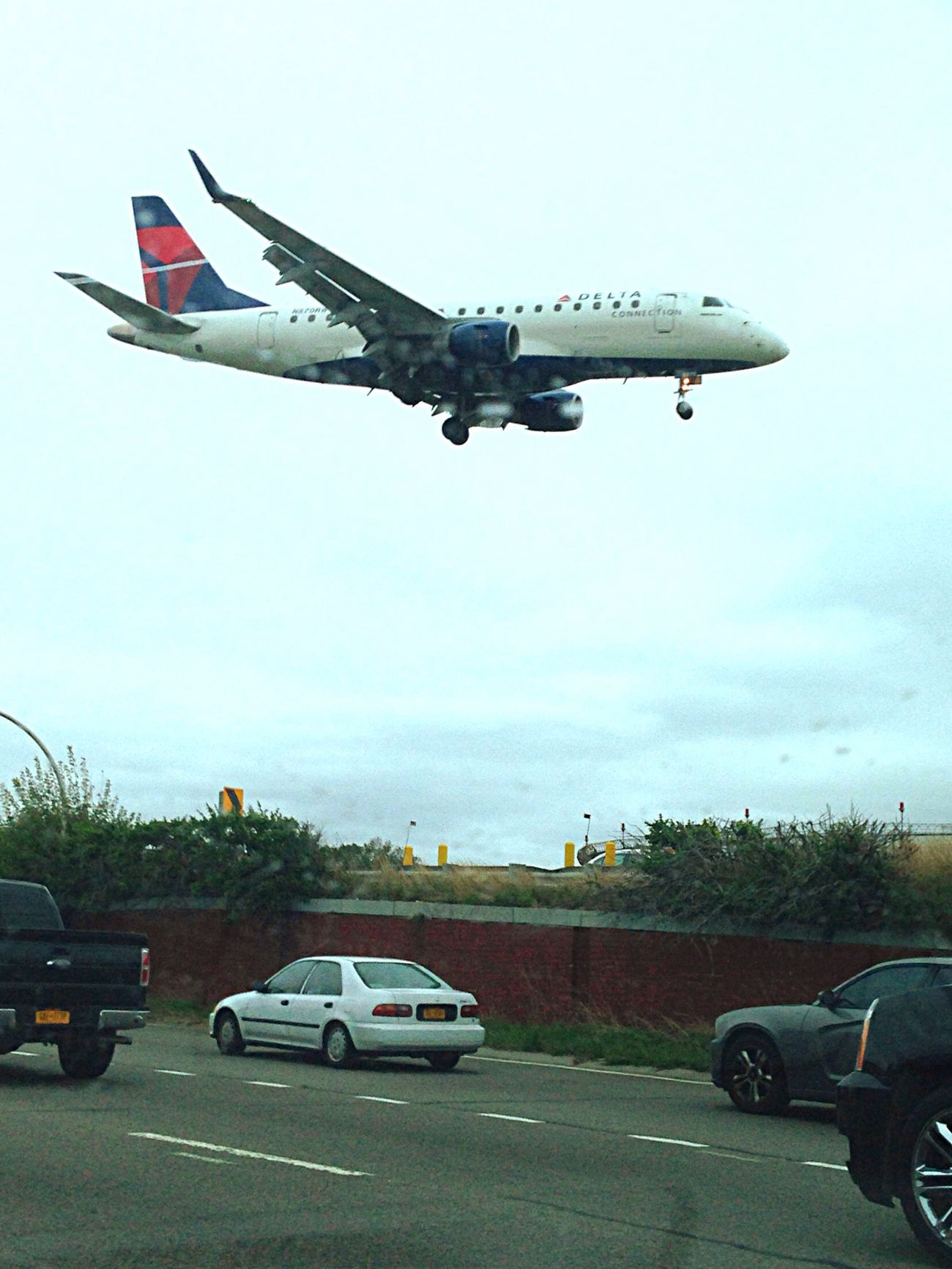 Coming in for landing at LaGuardia Airport AirPlane ✈ Flying New York City Photography Outdoors Transportation Mode Of Transport Airport