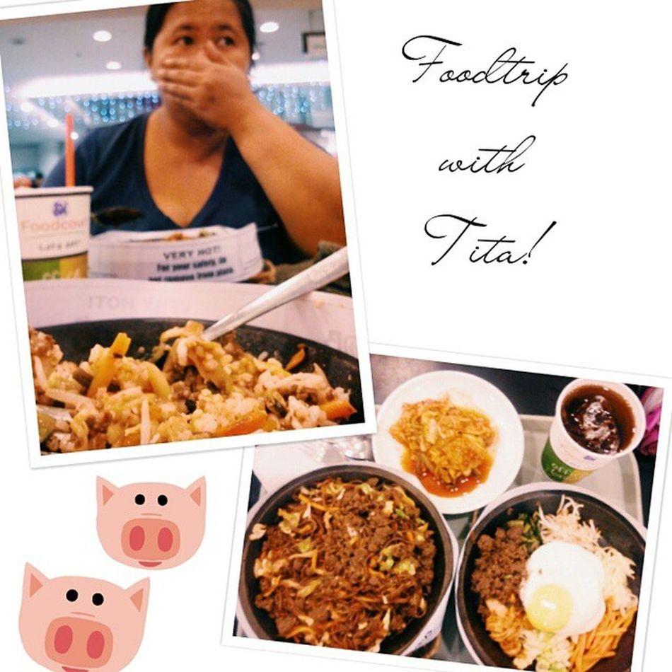 Busy ako e! Andame kong ginagawa tapos niyaya ako!!! Hahaha choz! Thank you Tita!!! My date today!! ^_^ 100happydaysofkei Day48 Kwentuhan NagGrocery loveyouTita happytummy foodtrip foodporn