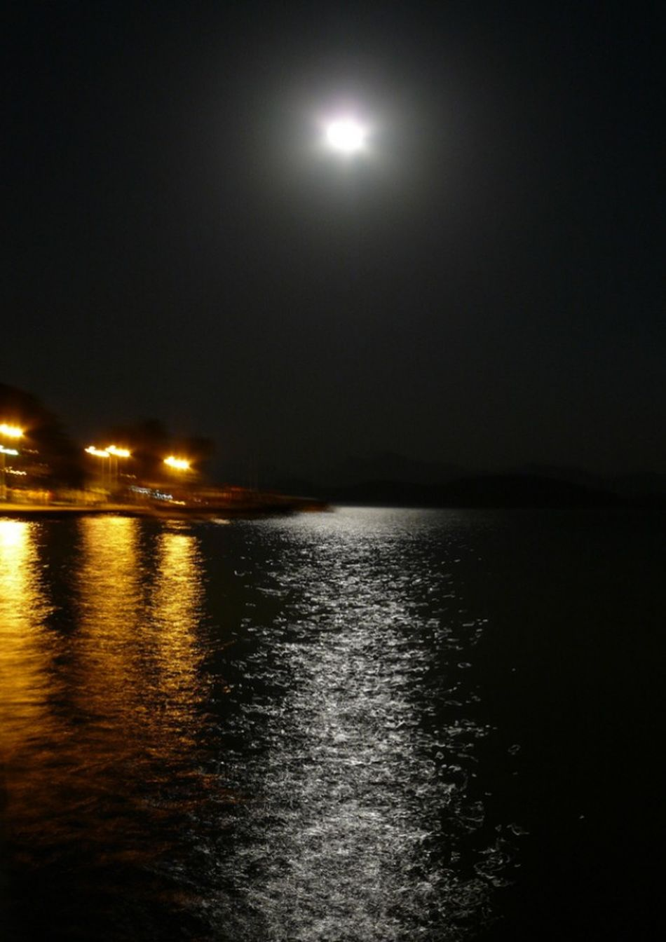 Yakamoz Moonlight Moon Moonphotography Relaxing Relax Time  Phosphorescence Love HelloEyeEm No People Nofilter EyeEmNewHere Relax Time  No People Beauty In Nature Bestshot EyeemTeam Nature Köyceğiz Köyceğiz Gölü Welcome To Black