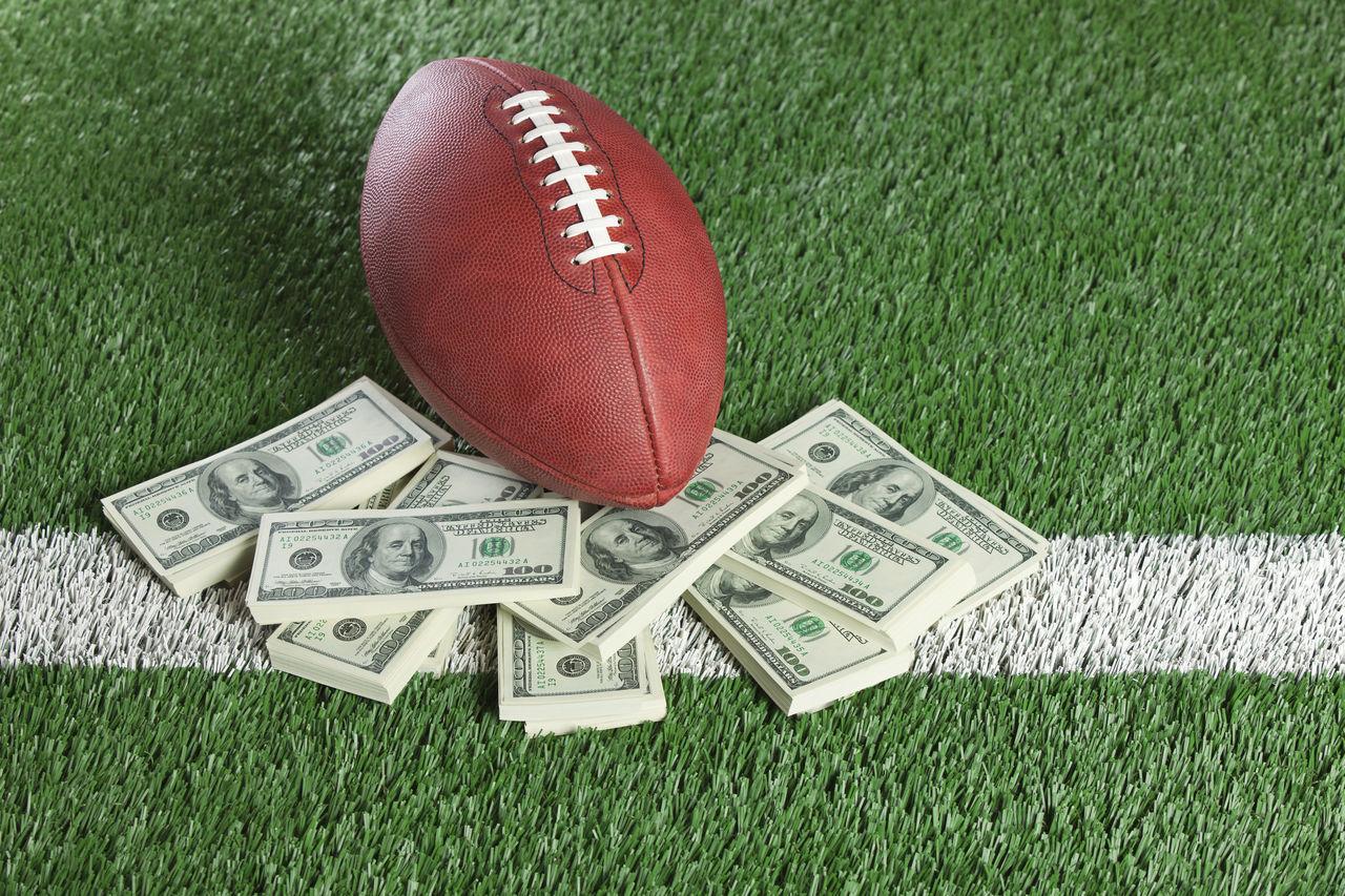 Beautiful stock photos of geld, American Football - Ball, American Football - Sport, American Football Field, American One Hundred Dollar Bill
