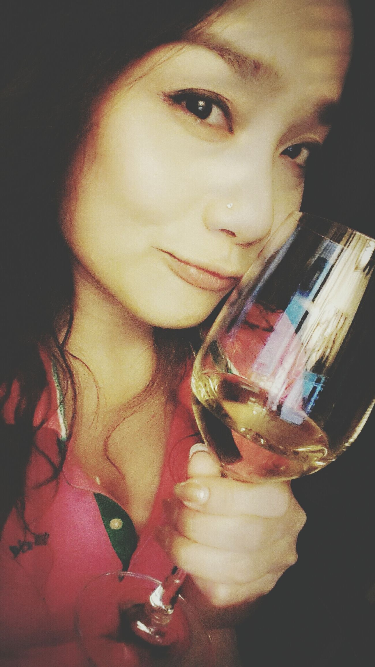 Hello World It's Me and my wine... Enjoying Life Gettin Tipsy lol :)