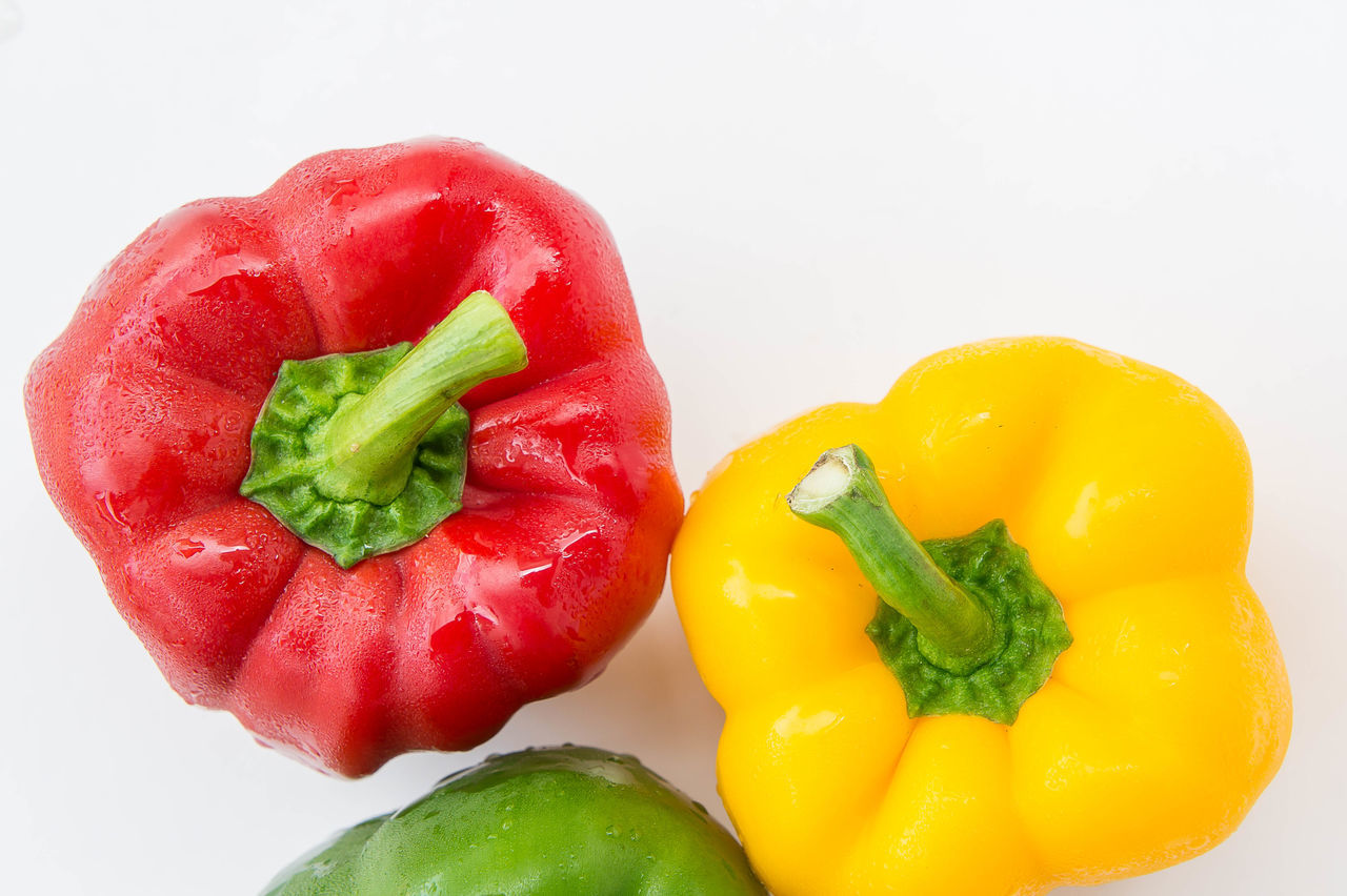 pepper vegetables Close-up Day Food Food And Drink Freshness Green Color Healthy Eating Indoors  No People Red Red Bell Pepper Still Life Studio Shot Vegetable White Background