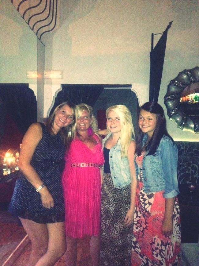 Champagne Bar With The Girls