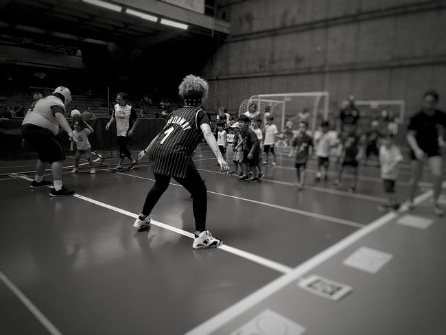 Sport Indoors  People Exercising Real People Lifestyles Competitive Sport Day Black And White Monochrome Photograhy Full Frame Pleoples The Week On EyeEm EyeEmBestPics EyeEm Best Shots Smartphonephotography Monochrome Photography Sports Shadows & Lights Smartphone Photography Recreational Activities  Sport Event Large Group Of People Black & White