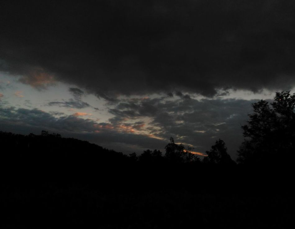 Tonight's sky... Silhouette Tranquil Scene Dusk Sunset Beauty In Nature Dark Sky Storm Cloud Sawonmyadventure No Filter, No Edit, Just Photography Nature Photography Onlygodcouldcreatethis Sunset_captures Sunset And Clouds