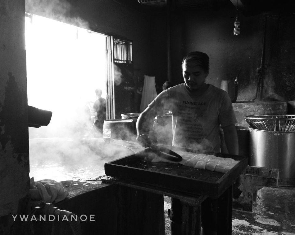 Tofu Man FoodFactory Working Hard Working Man Traditional Culture Indoors  Tofu Blackandwhite TakenWithExperia XPERIA