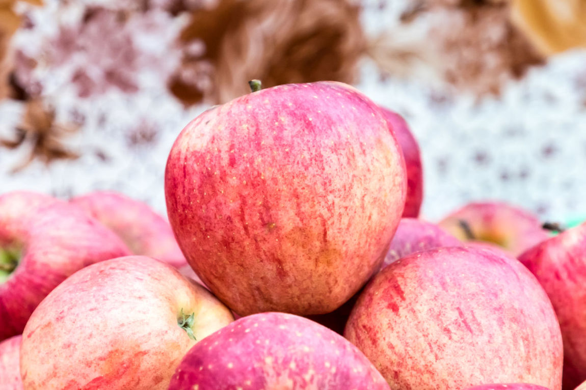 Natural apples Agriculture Apples Bakground Beautiflly Organized Diet Food Fresh Fruit Group Healthy Natural Organic Vegetarian Vitamin C