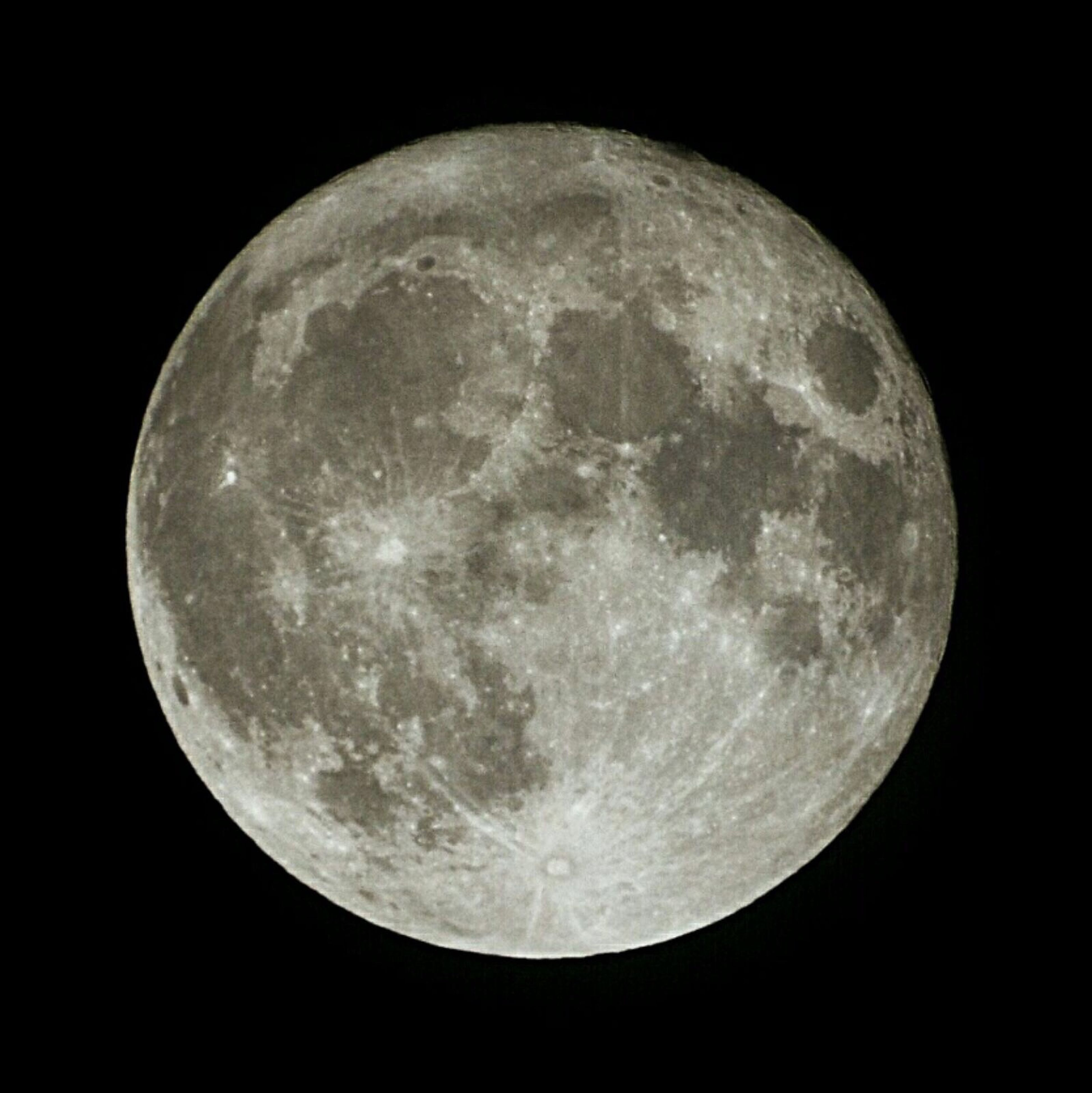 moon, full moon, night, moon surface, astronomy, space, black background, nature, no people, tranquility, planetary moon, outdoors, beauty in nature, sky, midnight