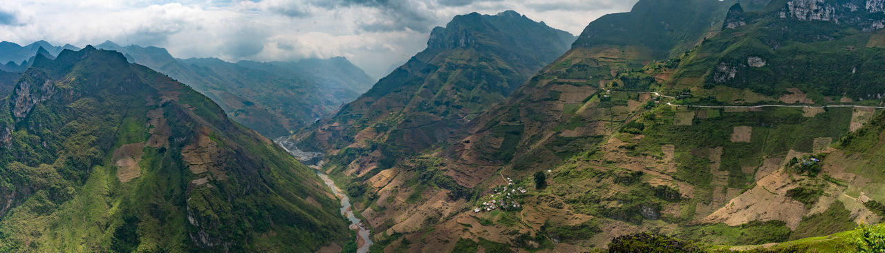 Ma Pi Leng pass, between Dong Van and Meo Vac Beauty In Nature Canyon Ha Giang, Vietnam Hà Giang Landscape Mountain Mountain Range Mã Pí Lèng Nature No People North Vietnam Outdoors Panorama Panoramashot Panoramic Photography Sky South East Asia Travel Destinations Travel Photography Travel Vietnam Tree Viet Nam Vietnam