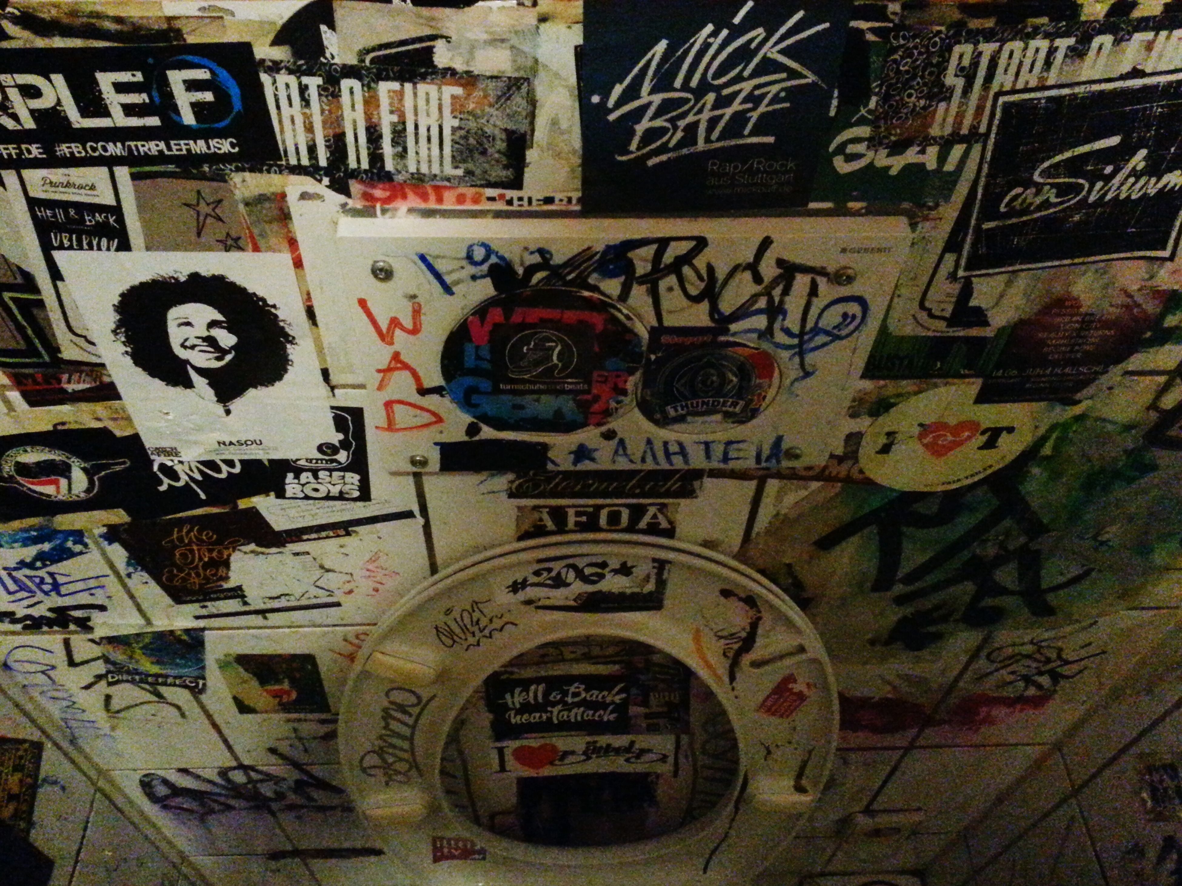 Party Hard Drinking Beer Toilette Art Stuttgart Germany Kap Tormentoso KNEIPE Pub Crazy