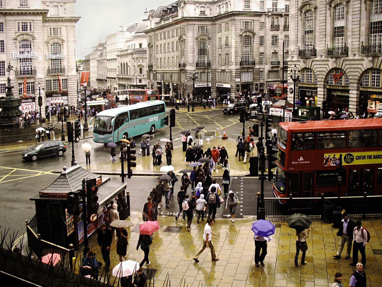 :// London - Piccadilly Circus Hello World London TheWeekOnEyeEM Streetphotography EyeEm Best Shots Pastel Power Architecture_collection Architecture Urbanphotography From My Point Of View Vintage Style Traffic Rainy Days Rain People Life Artist EyeEm Gallery Check This Out Urban Everything In Its Place Photography In Motion My Favorite Photo London Lifestyle Embrace Urban Life Flying High