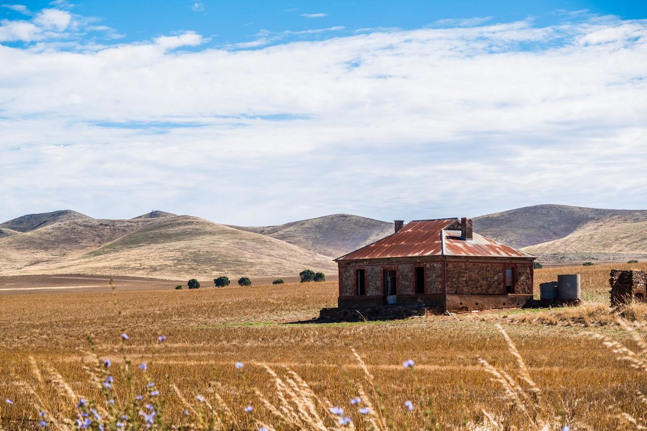 Do you know which album this house was on? If you're Aussie you should ;-) Agriculture Architecture Beauty In Nature Building Exterior Built Structure Burra Homestea Cloud - Sky Day Field Field Grass Landscape Mountain Burra, Australia Mountain Range Nature No People Outdoors Rural Scene Scenics South Australia Tranquil Scene Tranquility