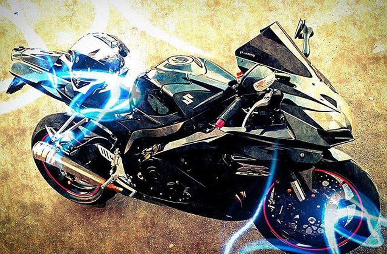 Motorcycling : power for your soul. Motorcycle_mafia Bikestagram Bikelovers Picoftheday Semimanubrirulez Superbike_italia Superbikesofinstagram Bikersaroundtheglobe Redlinemotorcycles Shift_life Suzuki GSXR750 Gsxr Bikers_around_the_globe Instabike Trackracerx Lovebikes
