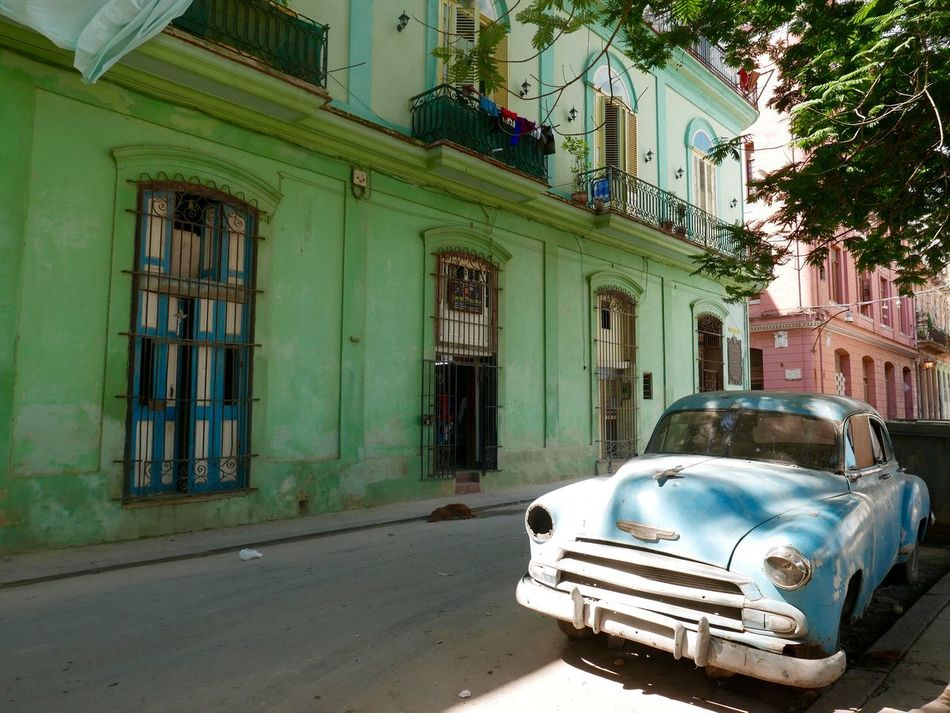 A typical street scene in Havana, Cuba Architecture Classic Cars Cuba Cuba Car Cuban Cars Habana Havana Havana Cuba Havana Street Rustbucket