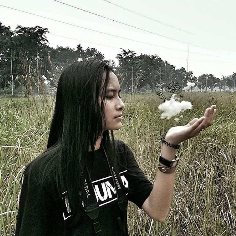 Mini cloud Still with Todayimet . I met @febbybee02 on Wwim12Dumai . And took a picture of her and here it is after some editing. Wwim12Dumai WWIM12 Instameetindonesia WhoIfollow Ramerame Meetup Instameet Jovrscloud9