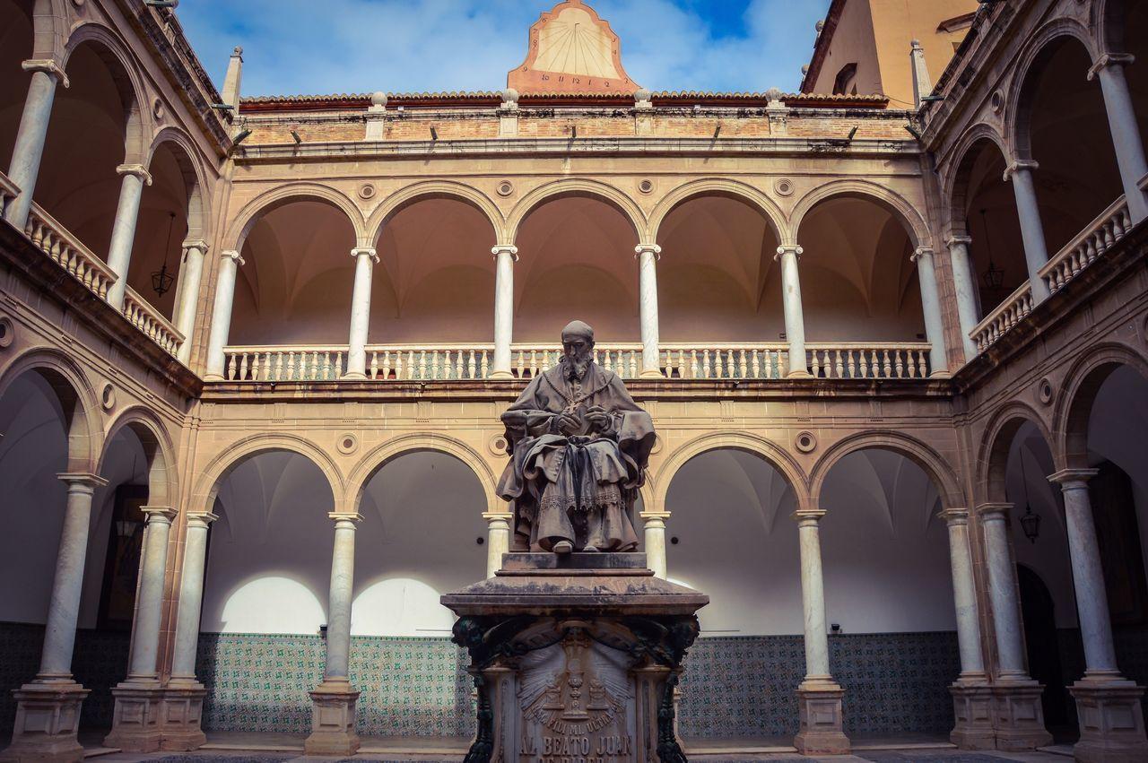 Claustro del Real Colegio Seminario del Patriarca (Valencia - Spain) Travel Tourism Architecture Statue Sculpture Arch Cloister Valencia, Spain SPAIN