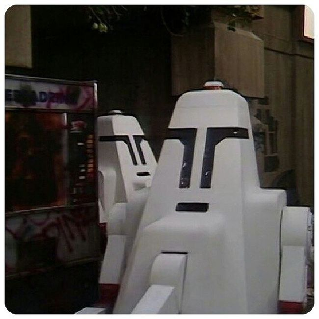 Je pense George Lucas s'est inspiré de cet épisode pour les Clone Trooper ParadiseTowers DoctorWhoClassic