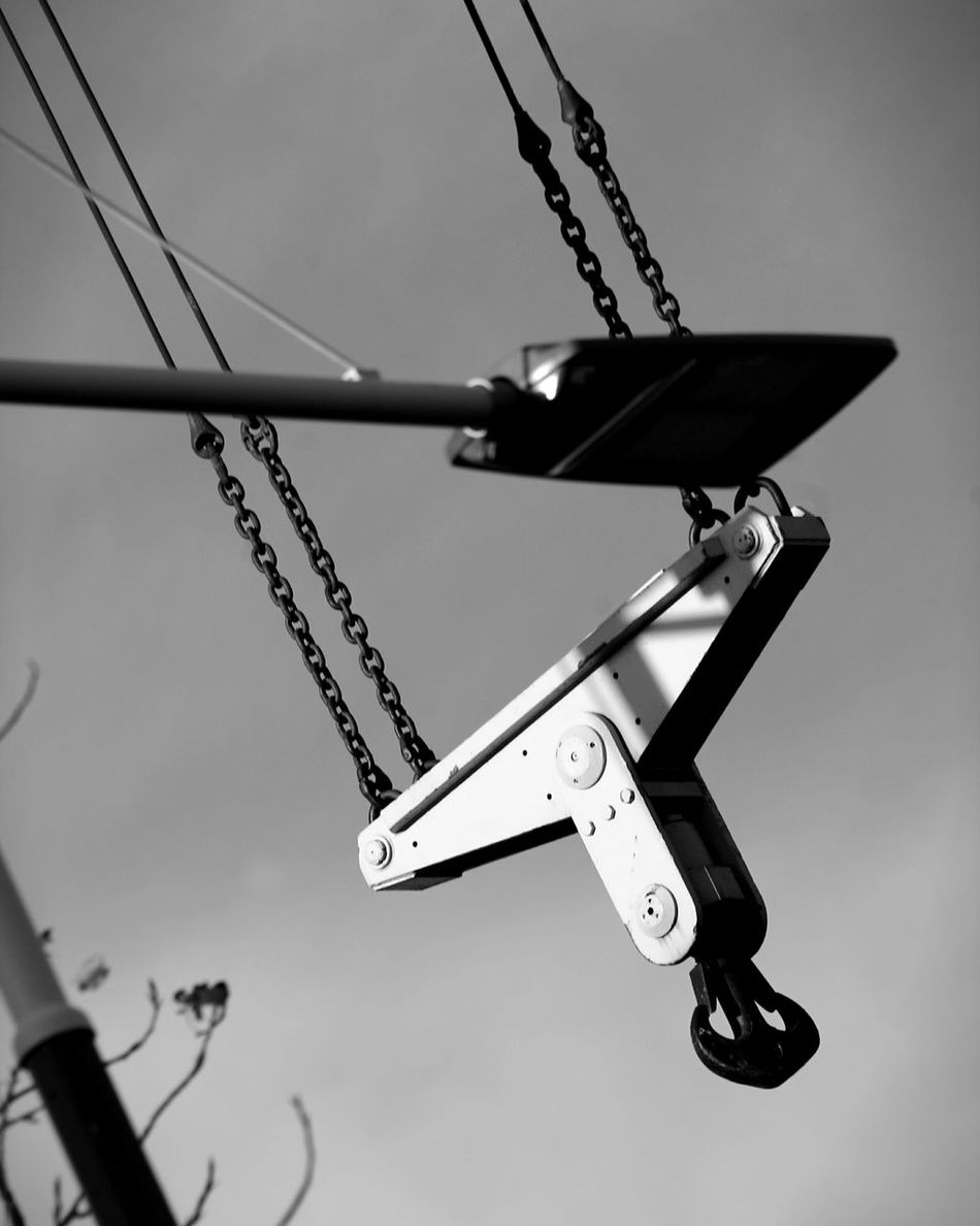 Exploring Canon_shoot Metal Architecture Canoneos1100D Canon_official Canon1100d Canon_photos Gru Canon_camera Canon_bw Passionforphotography Canon_offical Details City Street Street Details In Close Up Outdoors Bnw Amateurphotography Architectural Detail Built Structure Canonphotography Canoneos No People