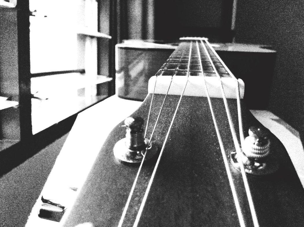 I Love Music Music Life Music Is My Life Playing Guitar My Guitar 因为你的存在 让我变年轻 😂🎸🎶 Relaxing Enjoying Life